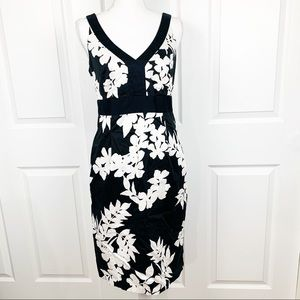 WHBM Black White Floral V Neck Sleeveless Dress